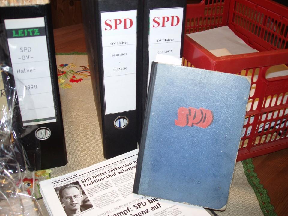 Archivübergabe durch Rainer Filling an den SPD Vorstand