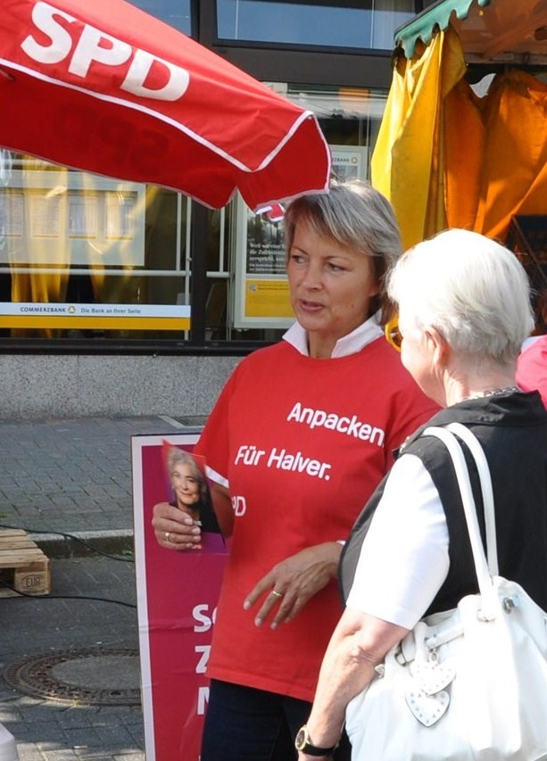 Ganz nah dran – SPD-Wahlkampfstand wieder auf dem Wochenmarkt
