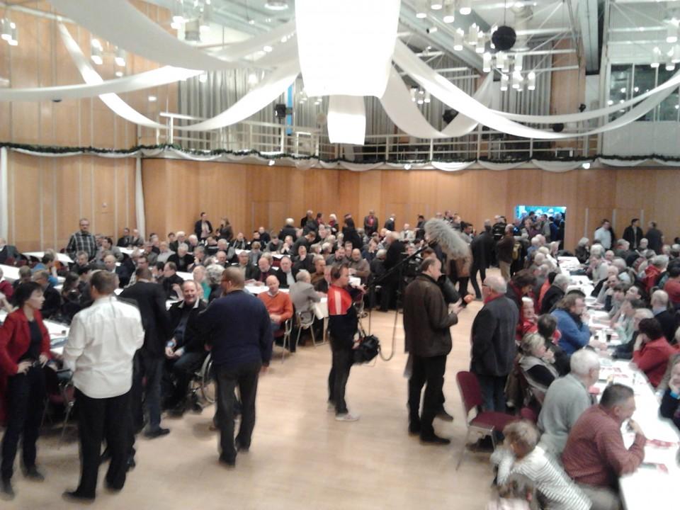 Die Partei lebt und hinterfragt kritisch den vorgeschlagenen Weg – Regionalkonferenz in Kamen