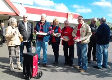In Rekordzeit vergriffen – SPD Ortsverein verteilt 1000 rote Prachtstücke