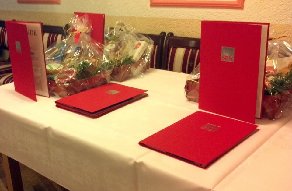 Viele Ehrungen in weihnachtlicher Atmosphäre – SPD Adventskaffee